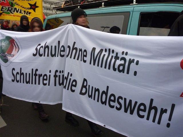 Bundeswehr raus aus den Schulen!
